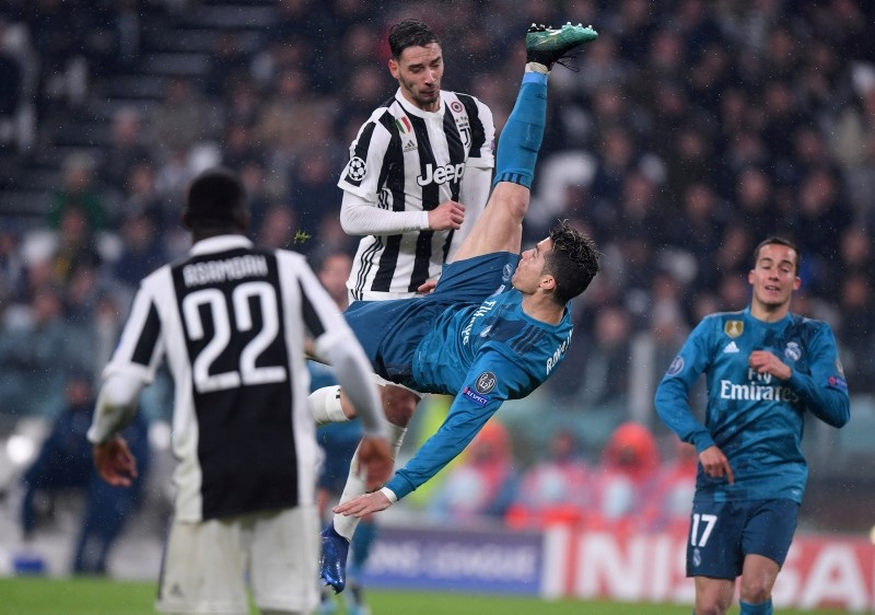 Real Madrid's Cristiano Ronaldo scores bicycle kick against Juventus in the Champions League at Allianz Stadium, Turin, Italy, April 3, 2018. (Reuters Photo)
