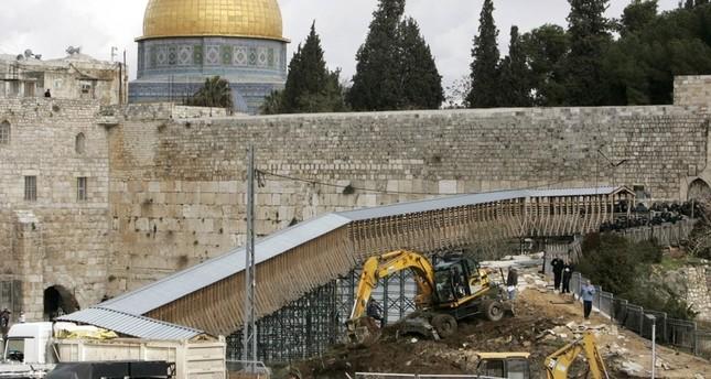إسرائيل تبني قرب القصور الأموية الملاصقة للأقصى والأردن يحتج