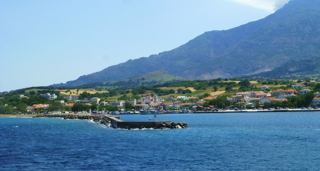 A general view of the harbor village of Kamariotissa located on the west coast of Samothraki. (Photo: Wikipedia)