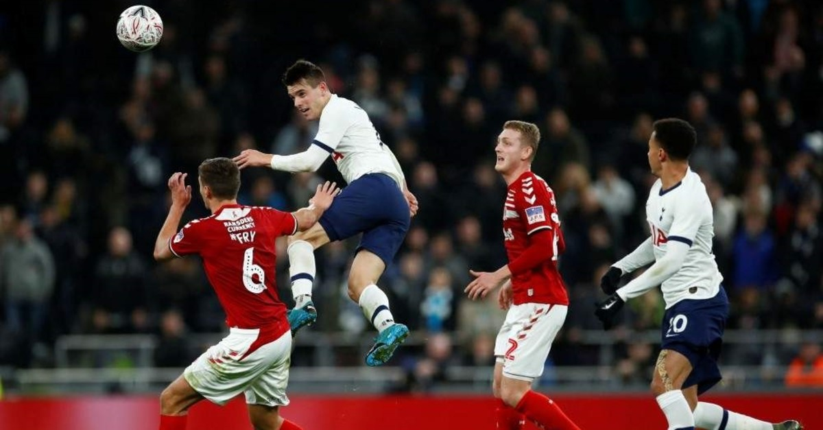 Tottenham Hotspur's Giovani Lo Celso in action with Middlesbrough's Dael Fry, London, Jan. 14, 2020 (Reuters Photo)