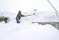 Heavy snowfall disrupts roads, shuts schools in Turkey