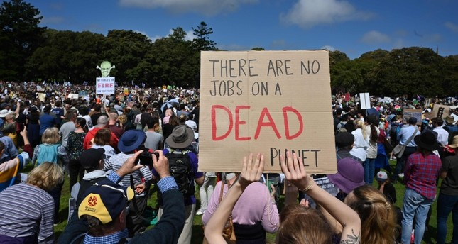 Hundreds of thousands strike for climate in Australia