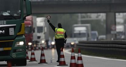 pIn den ersten drei Monaten dieses Jahres haben Bundespolizisten einem Medienbericht zufolge insgesamt 13.184 Personen aufgegriffen, die illegal nach Deutschland einreisen wollten. Vor allem über...