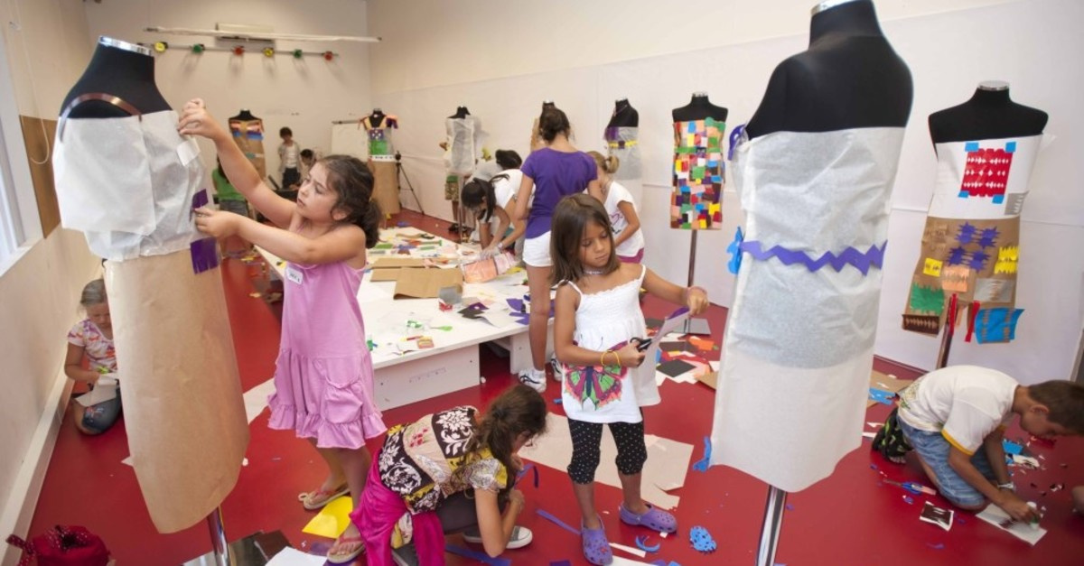 Children will stretch their imagination in paintings and costumes workshops, working with colors, stains and various art materials. Courtesy of Istanbul Modern.