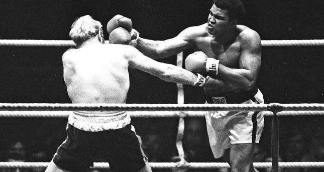 وفاة أسطورة الملاكمة محمد علي كلاي عن عمر يناهز 74 عاما