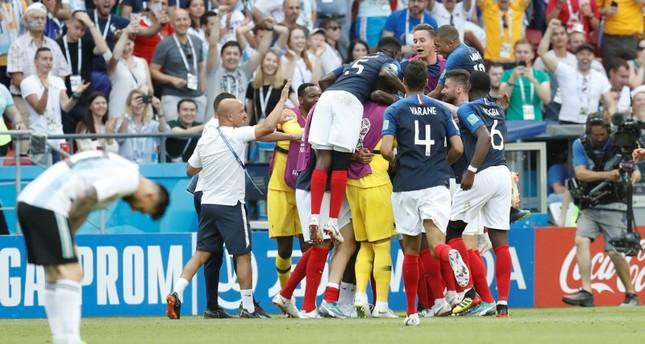 فرنسا تطيح الأرجنتين بأربعة أهداف مقابل ثلاثة وتتأهل إلى ربع نهائي المونديال