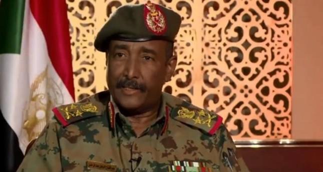 عبد الفتاح البرهان يدعو القوى السياسية للتوافق للتسريع في تسليم السلطة للمدنيين