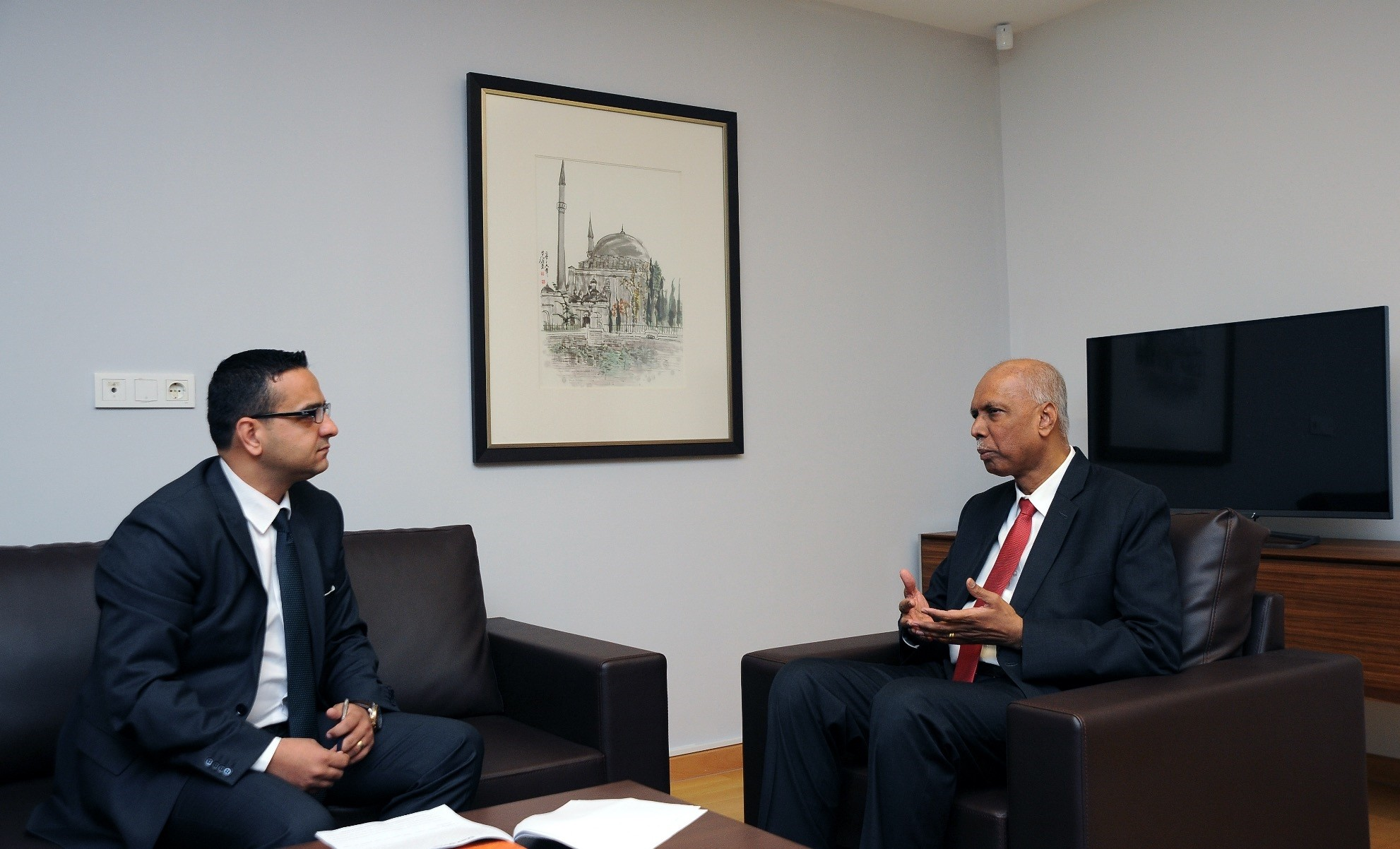 Ambassador Selverajah (R) said that Turkey and Singapore share common priorities for development, in areas such as infrastructure, healthcare, fintech and e-commerce.