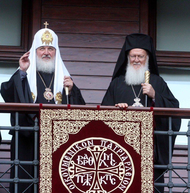 Patriarch of Moscow Kirill, left, and Patriarch of Constantinople Bartholomew lead a Sunday service at a church in Istanbul. (File Photo)