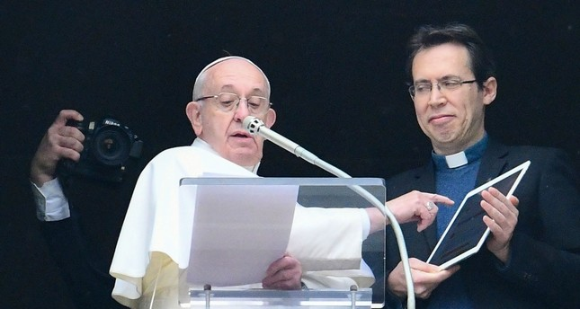 Pope touts 'Click to Pray' app ahead of World Youth Day
