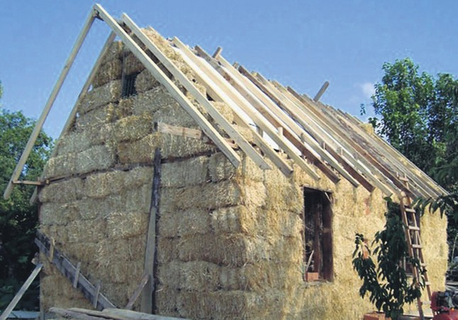 Turkish couple manages to save up with their hay house