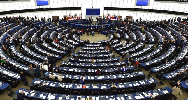The European Parliament called on European countries on Wednesday to formally suspend Turkey's EU accession negotiations in a decisive 370 to 109 vote.