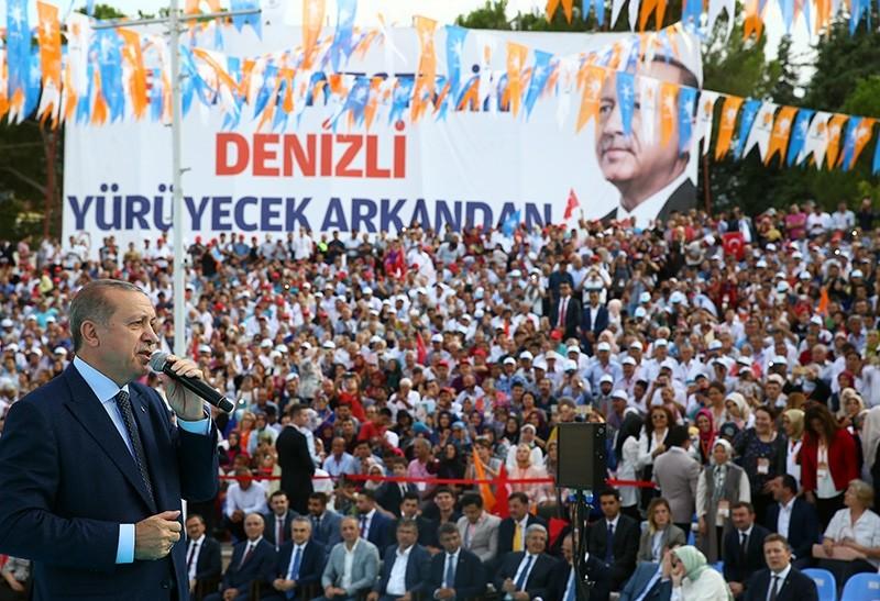 President Erdou011fan speaking to the public in Turkey's Denizli province on Saturday August 19, 2017. (AA Photo)