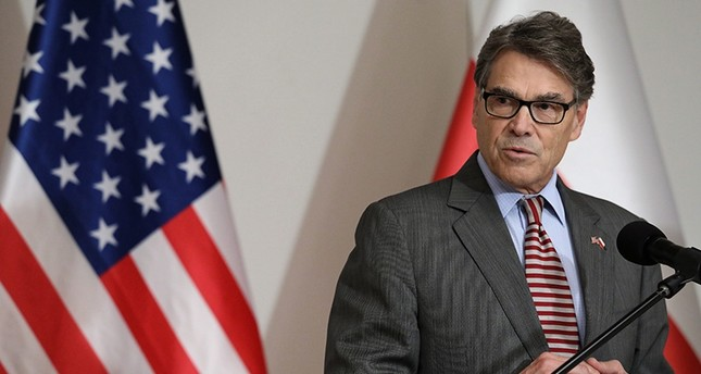 U.S. Secretary of Energy Rick Perry speaks during a joint media conference with Polish Minister of Energy Krzysztof Tchorzewski after their meeting in Warsaw, Nov. 8, 2018. (EPA Photo)