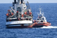 Italian prosecutor orders rescue ship to be seized and migrants evacuated