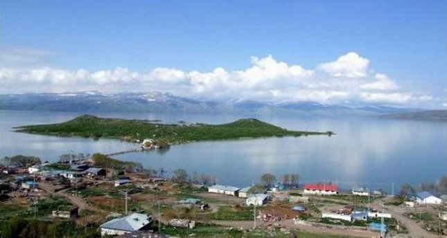 Enjoy four seasons of natural wonders at Lake Çıldır