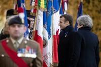 الرئيس الفرنسي رفقة رئيسة الوزراء البريطانية في ذكرى وقف إطلاق النار لعام 1918