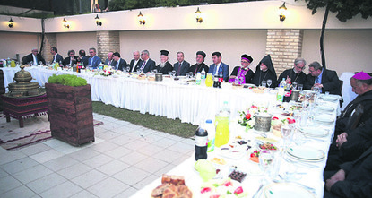 pMembers of Christian and Jewish communities accompanied Muslims in a traditional iftar fast-breaking dinner hosted by a local foundation in Istanbul on Thursday evening. Deputy Prime Minister...