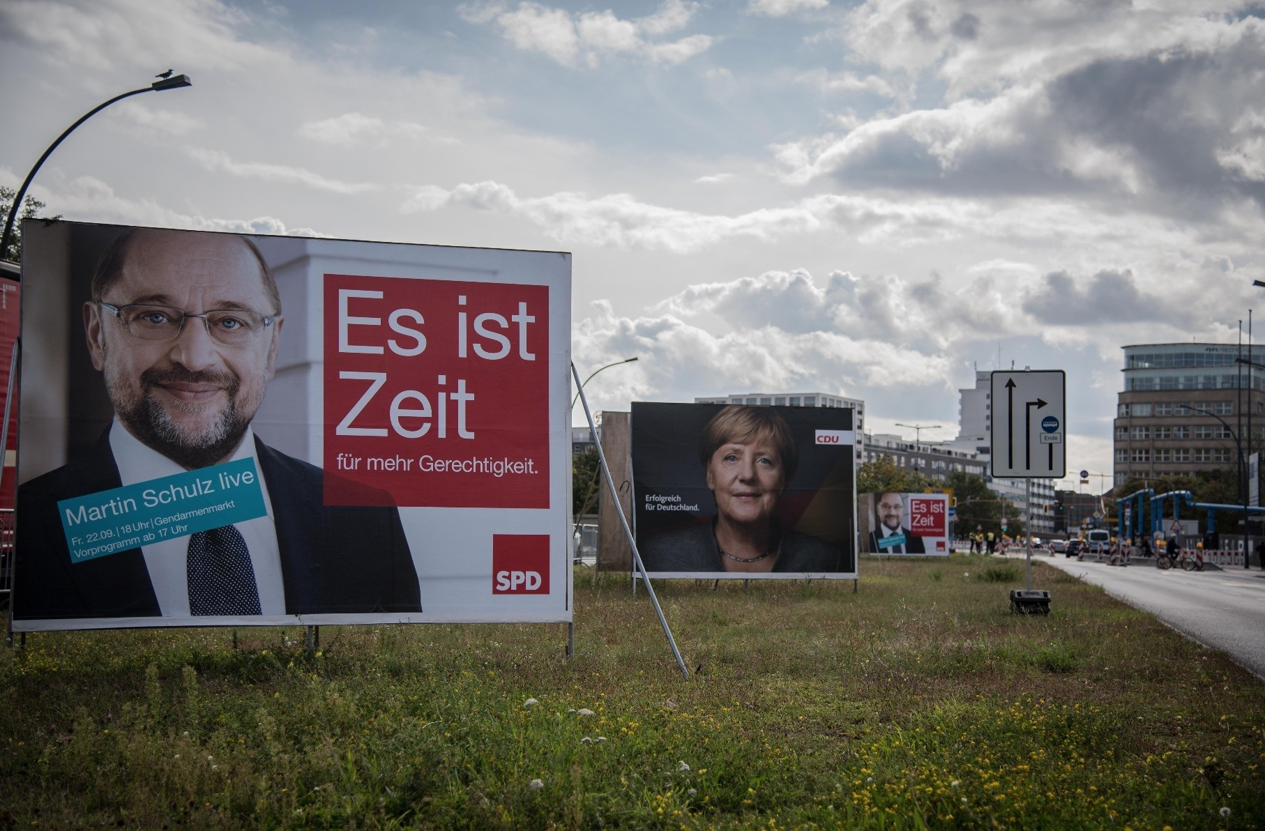 A recent poll has shown that a majority of German citizens want politicians to focus more on social issues and education in their party agendas.