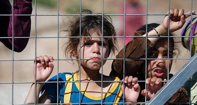 Italy allows stay for unaccompanied refugee children