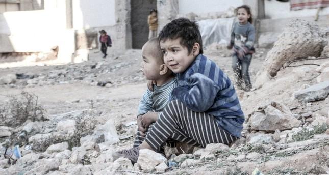 وزير الخارجية الفرنسي يحذر من تقسيم سوريا بعد تكثيف النظام قصفه