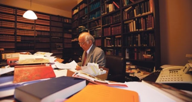 Late Turkish historian Fuat Sezgin was accused by Germany of attempting to smuggle a large book collection in the Goethe Institute – that actually belonged to him.