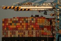 الصين تعتزم فرض رسوم جمركية إضافية على واردات أمريكية بقيمة 75 مليار دولار
