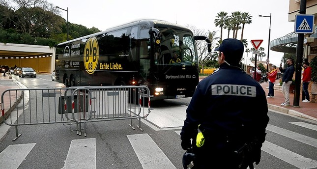 The team bus of Borussia Dortmund arrives for the UEFA Champions League quarter final, second leg soccer match between AS Monaco and Borussia Dortmund at Stade Louis II in Monaco, 19 April 2017 (EPA Photo)