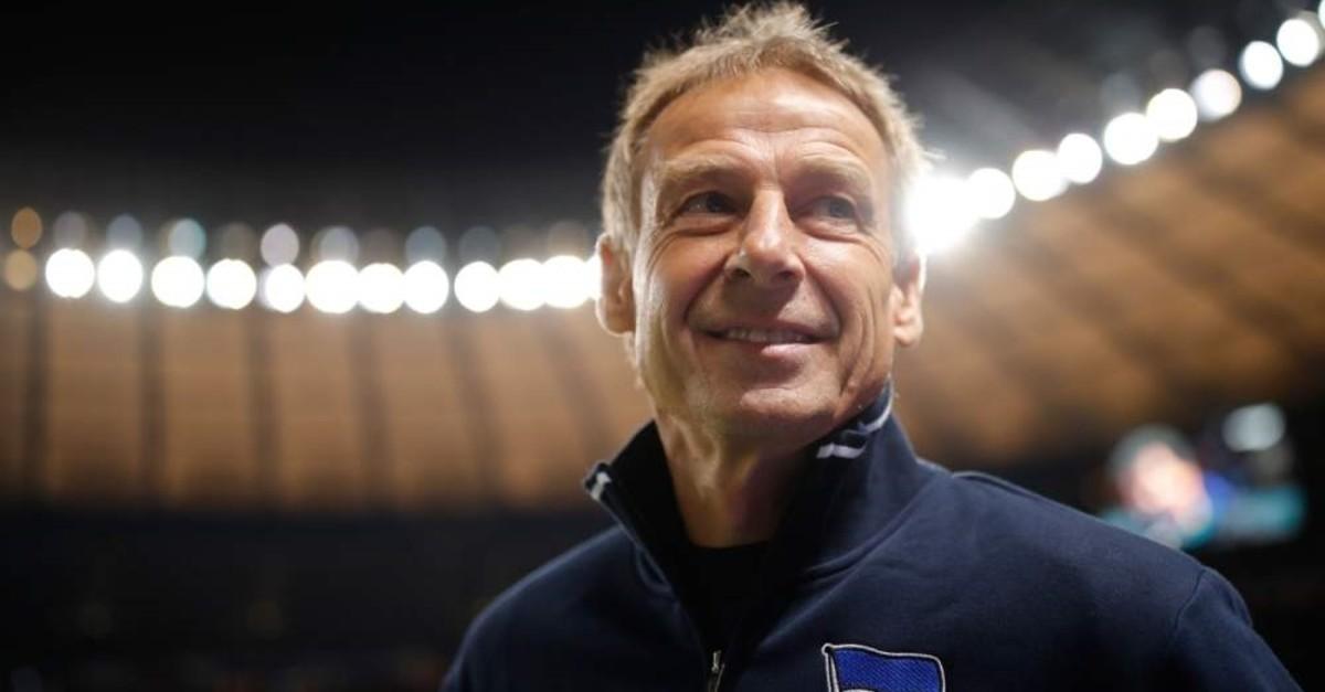 Klinsmann arrives at the pitch for a Bundesliga match against FC Schalke 04 in Berlin, Jan. 31, 2020. (AFP Photo)