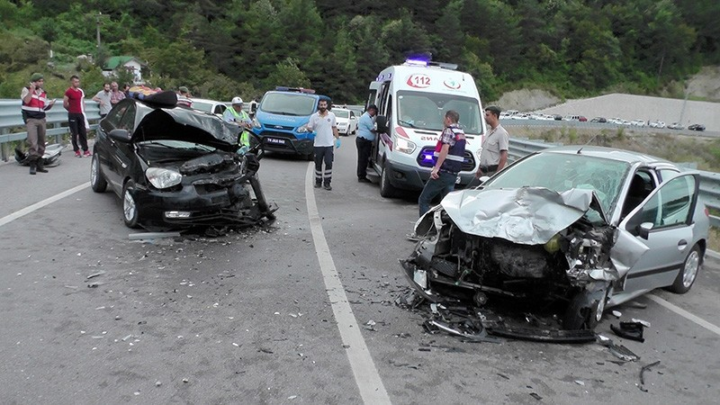 Gendarmerie officers inspect an accident scene near the town of Amasra in northern Bartu0131n province, September 1, 2017. (IHA Photo)