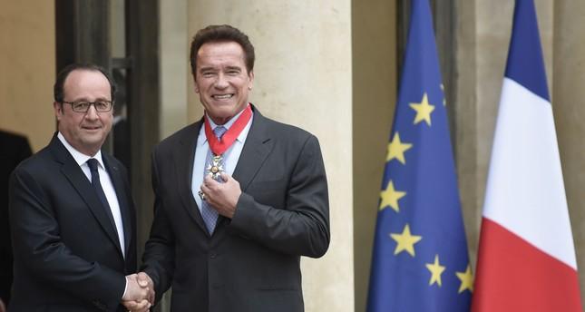 المبيد.. آرنولد شوارزنغر في باريس لمحاربة الاحتباس الحراري