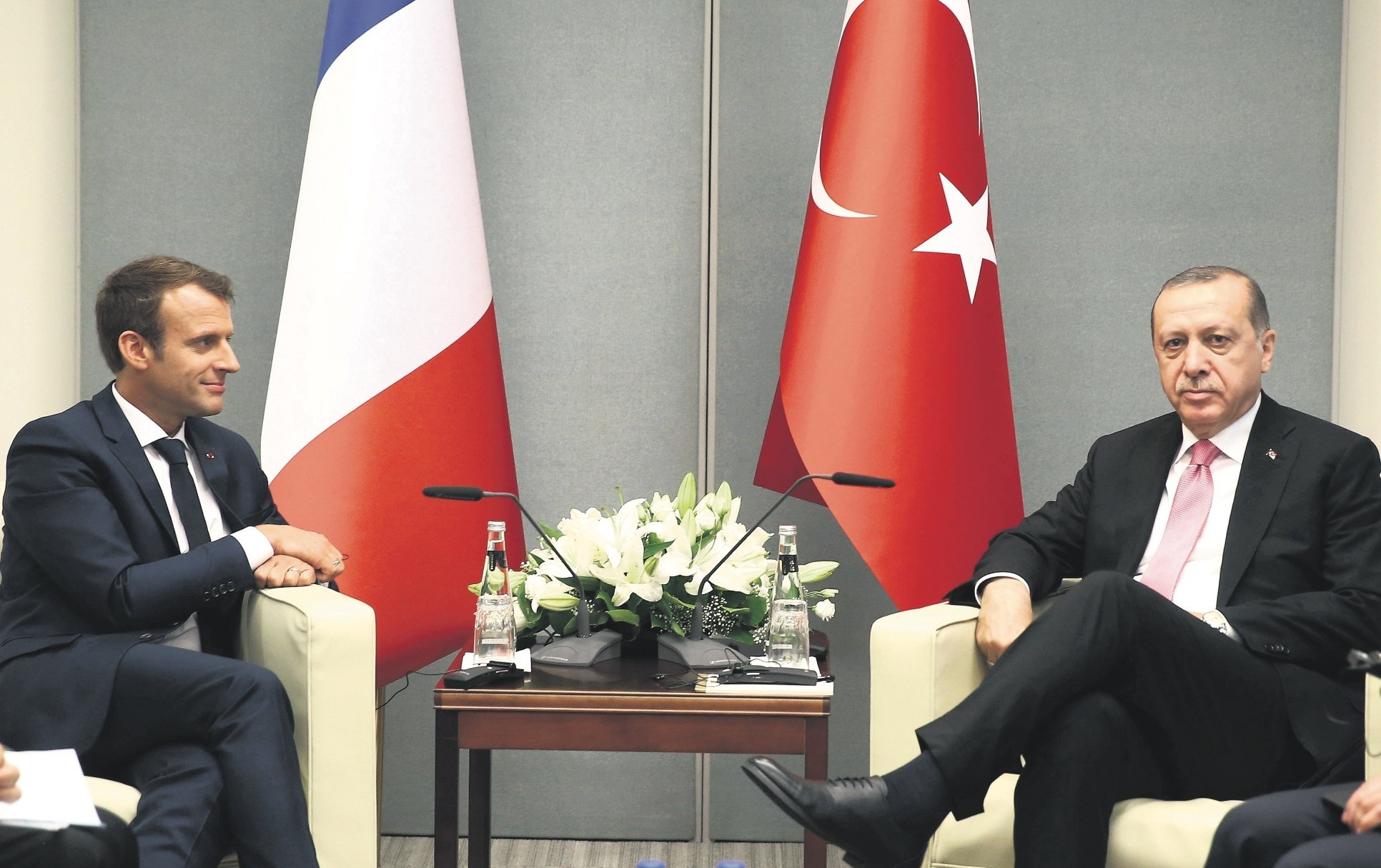 President Erdou011fan and French President Macron pose for photos at U.N. headquarters, Sept. 19, 2017.