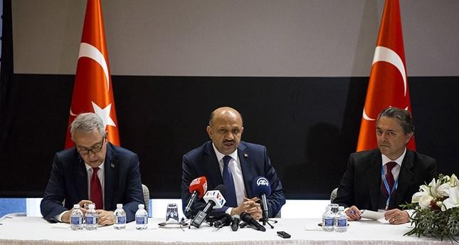 وزير الدفاع التركي: أنقرة على وشك اتخاذ القرار النهائي بخصوص منظومة الدفاع الصاروخية الروسية إس 400
