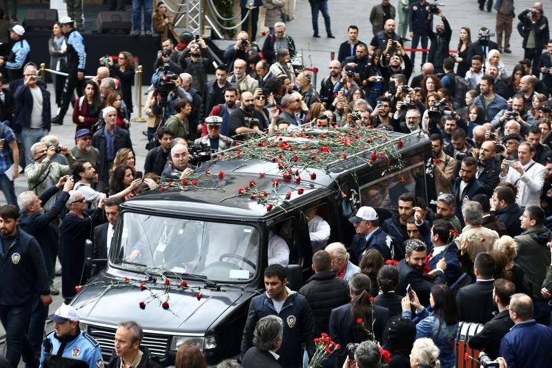 Turkey bids farewell to renowned photographer Ara Güler