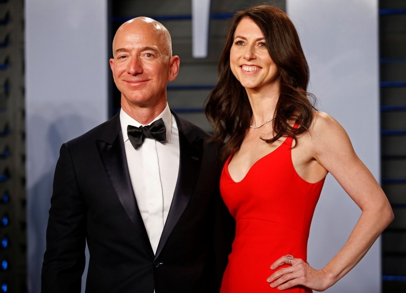 Amazon CEO Jeff and wife MacKenzie Bezos arrive at the 2018 Vanity Fair Oscar Party in Beverly Hills, California. (Reuters Photo)