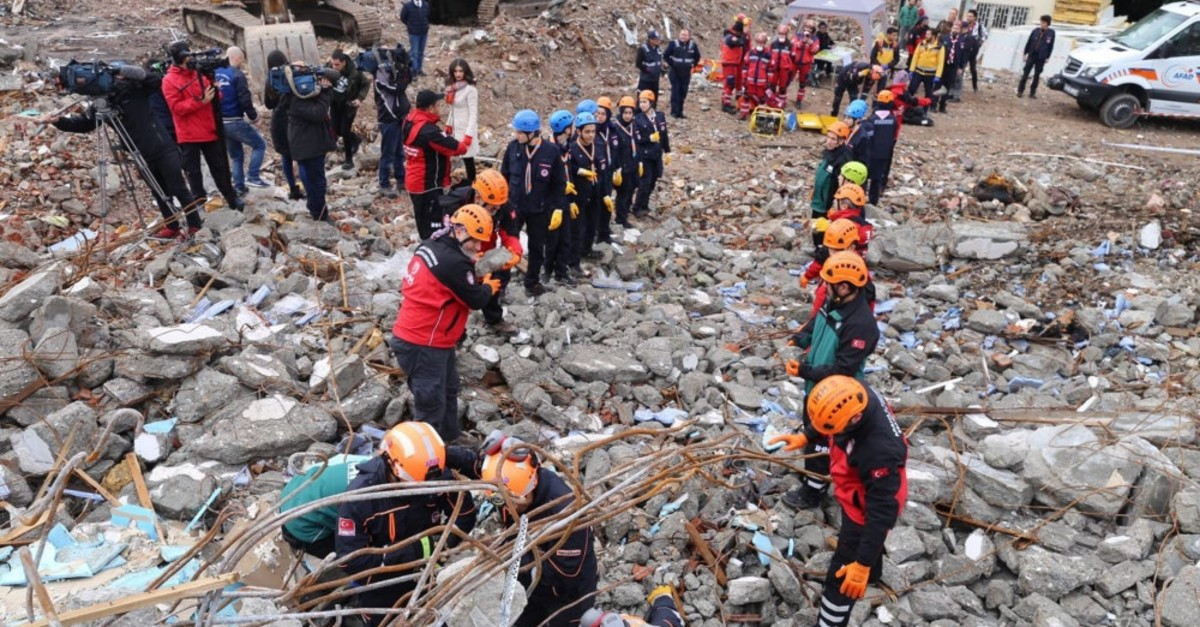 Search and rescue crews perform an earthquake rescue drill against a 6.7-magnitude earthquake in Istanbul, Dec. 23, 2017.