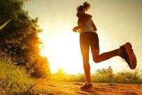 Einige Fitness Gurus sind der Meinung, dass das effektivste Workout am frühen Morgen sein soll. Denn die Morgenroutine soll die Produktivität und die Energie für den Tag steigern.  Um 6:00 Uhr...