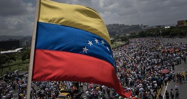 واشنطن تتجاهل الرئيس الفنزويلي وتعد شعبه بالحرية