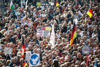 Thousands march for openness and tolerance in Dresden after Pegida anniversary