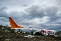 Pegasus pilot arrested after Istanbul crash landing