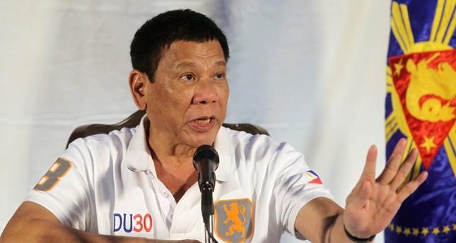 الرئيس الفيليبيني يعتذر لشتمه أوباما علناً