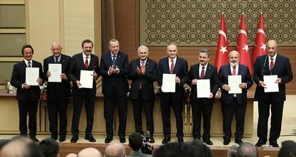 """pFünf große, türkische Unternehmen sind nun Teil des Konsortiums für die erste inländische Fahrzeugproduktion. Diese soll von der """"Union der Kammern und Börsen der Türkei(TOBB) koordiniert..."""
