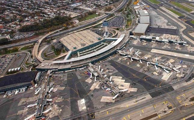This photo taken Oct. 31, 2012, shows an aerial view of LaGuardia Airport in New York. (Reuters Photo)