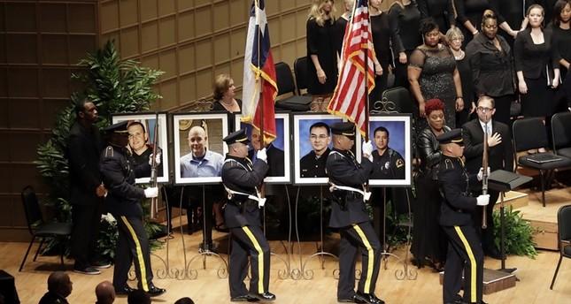 Dallas: Trauerfeier für getötete Polizisten begonnen