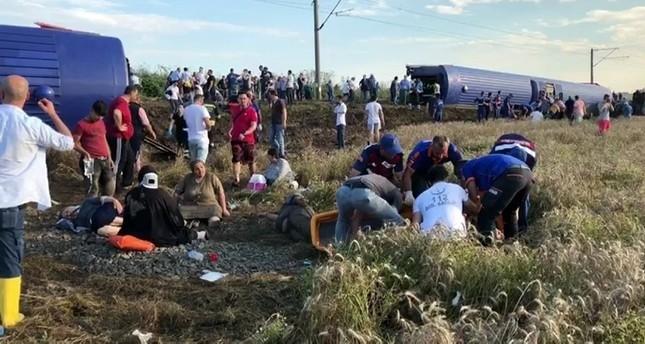 10 قتلى و73 جريحا في خروج قطار عن سكته بمدينة تيكرداغ شمال غرب تركيا
