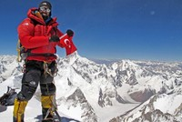 Mountaineer aims to become first Turk to summit Everest without oxygen