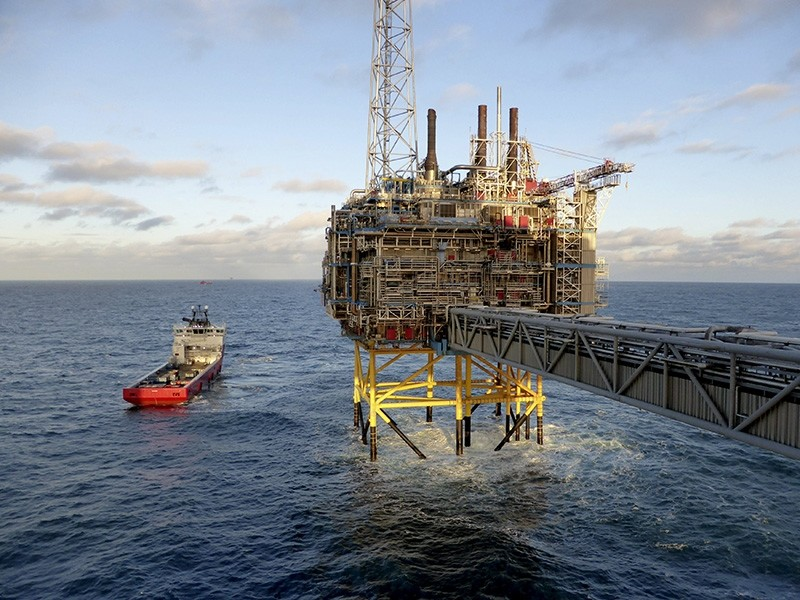 Oil and gas company Statoil gas processing and CO2 removal platform Sleipner T is pictured in the offshore near the Stavanger, Norway, February 11, 2016. (Reuters Photo)