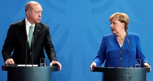 ميركل: نرغب في تطوير التعاون مع تركيا في مكافحة الإرهاب