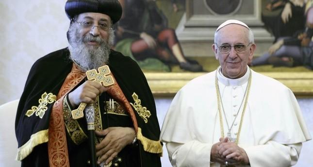 بابا الفاتيكان يصل مصر في زيارة تستغرق يومين