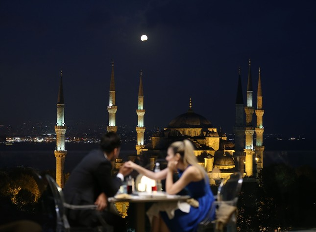 Partielle Mondfinsternis in der Türkei